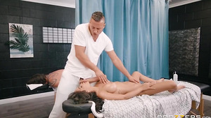 Cheating massage sex with petite oily babbe Shay Evans!