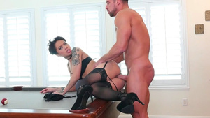 Shot haired babe Honey Gold gets orgasm from fucking with her frieng husband!
