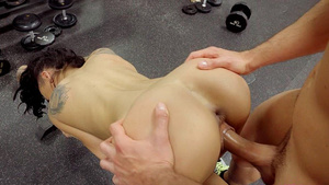 Young Amia Miley amateur porn in GYM.