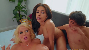 Boy fucks Mom Alura and stepdaughter Aaliyah Hadid and cums in their mouth!